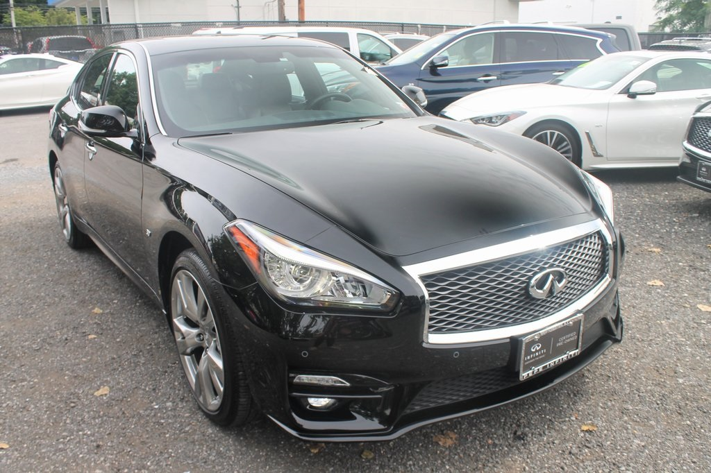 Certified Pre-Owned 2019 INFINITI Q70 3.7X
